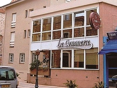 HOTEL LE COMMERCE - ST LAURENT DE LA SALANQUE