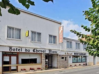 H tels combrand viamichelin trouvez un h bergement combrand for Logis hotel meuble emile rey