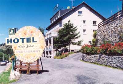 Hotel font romeu trouver un htel font romeu rserver for Club piscine toile solaire