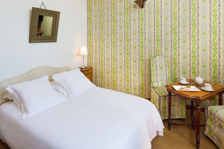 h tel de la poste corps r server votre chambre d 39 h tel. Black Bedroom Furniture Sets. Home Design Ideas